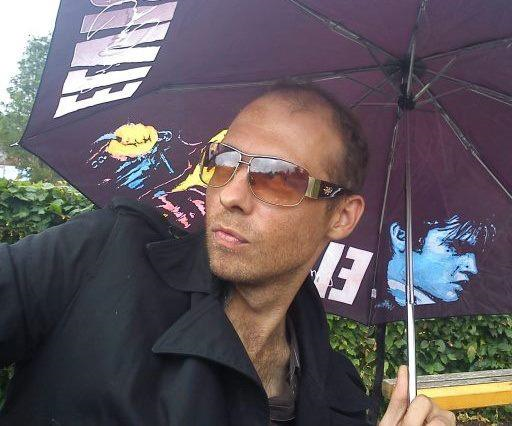 Stager Lloyd with an Elvis Umbrella